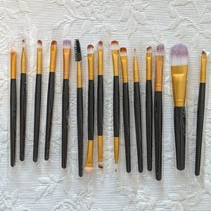 15 Piece Make Up Brush Set